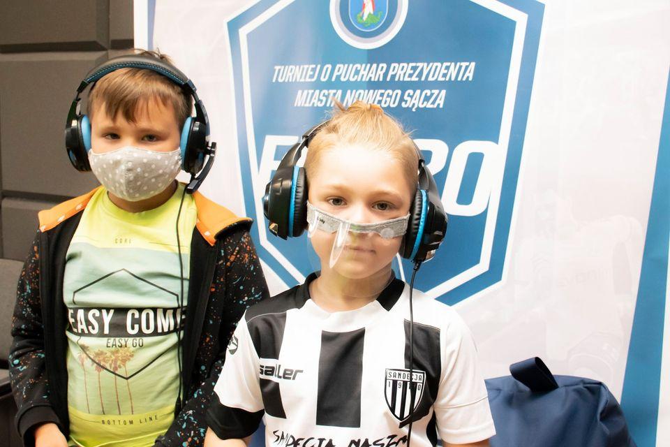 ?Trwa pierwszy mecz w Turnieju o Puchar Prezydenta Miasta Nowego Sącza.?